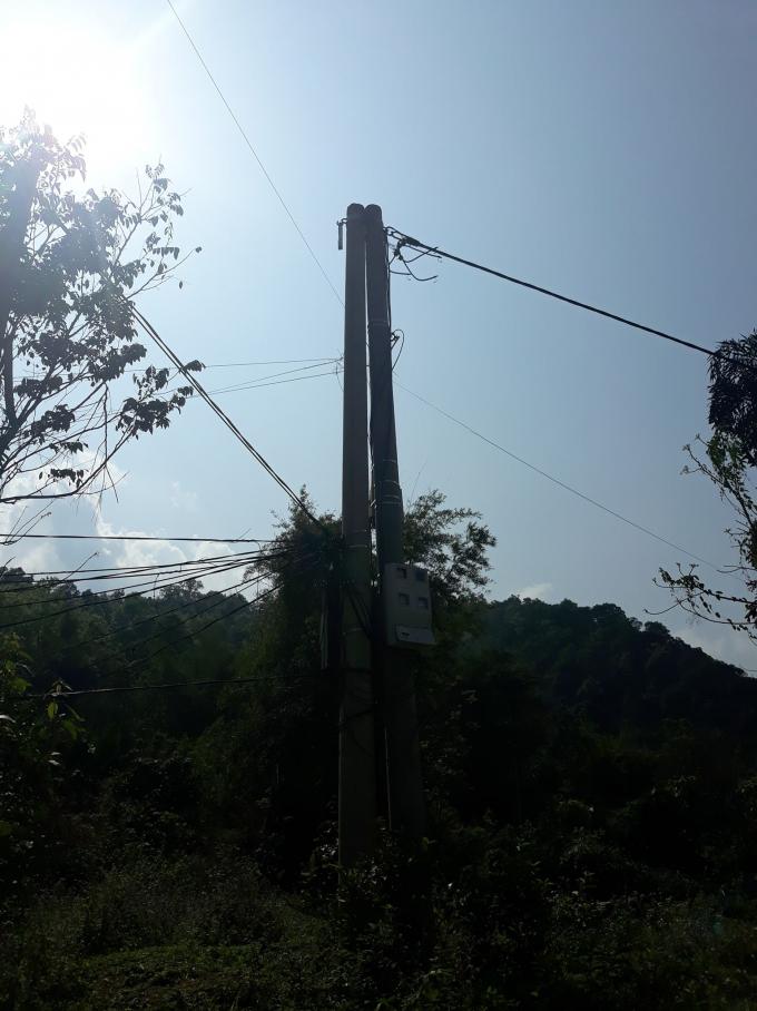 Na Rì (Bắc Kạn): Người dân thôn Pác Cáp khổ sở khi phải dùng điện như ... đèn đom đóm