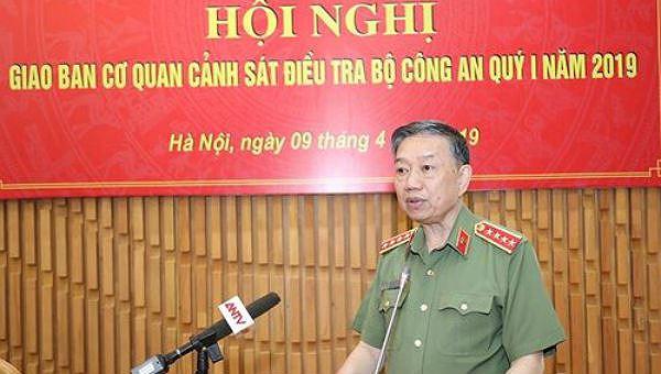 Bộ trưởng Công an Tô Lâm phát biểu chỉ đạo tại hội nghị.