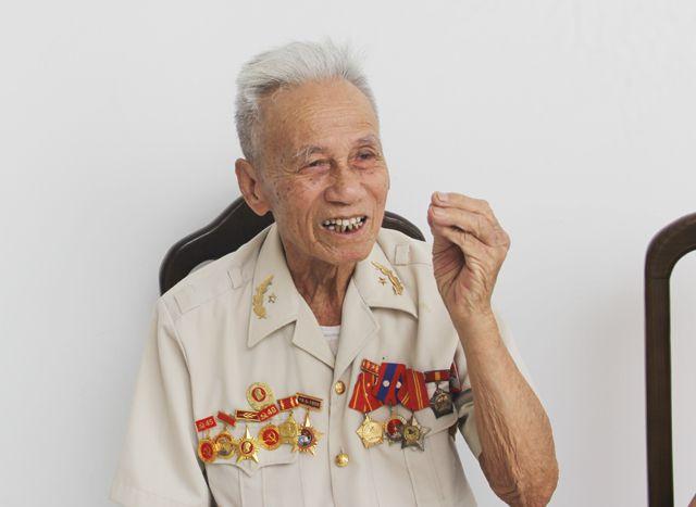 Ông Hồ Viết Lý hồi tưởng về những ngày tham gia chiến dịch Điện Biên Phủ với tư cách là y tá trưởng Tiểu đoàn bộ binh.