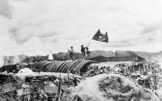Chiều 7/5/1954, lá cờ