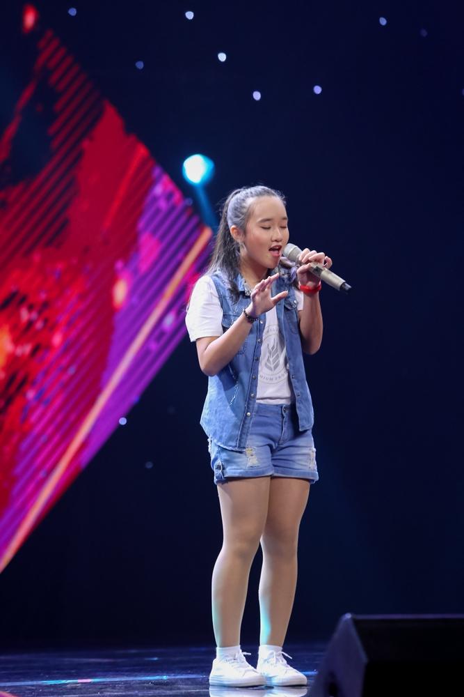 Khánh Linh với ca khúc