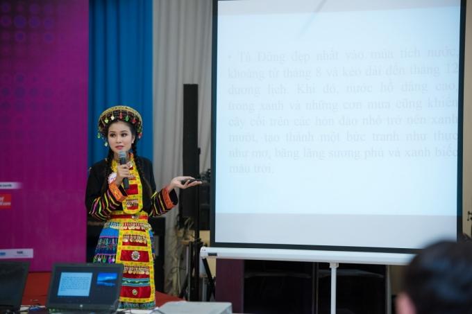 Trần Thị Thuỷ (SBD 234) thuyết trình về hồ Tà Đùng -