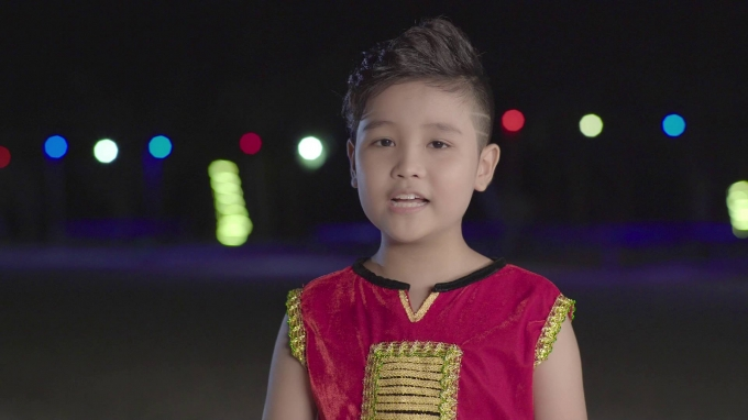 Hồng Minh – Quán quân Giọng hát Việt nhí 2015.