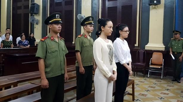 Điều đáng chú ý chính là nhan sắc thần thái của Hoa hậu người Việt tại Nga Trương Hồ Phương Nga.