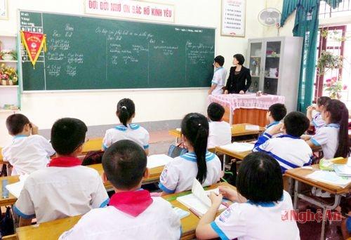 Trường Tiểu học Hưng Bình (Thành phố Vinh) không được công nhận lại sau khi có một giáo viên vi phạm đạo đức nhà giáo.