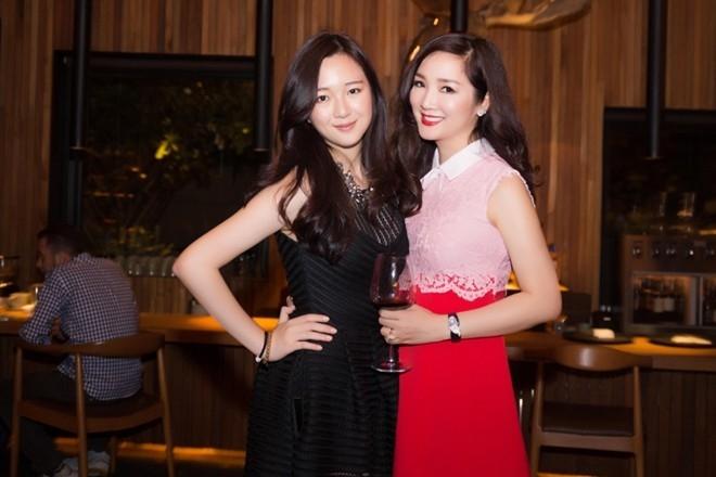 Giáng My và Anh Sa trong tiệc sinh nhật tuổi 21 của con gái. Ảnh: Zing.vn.
