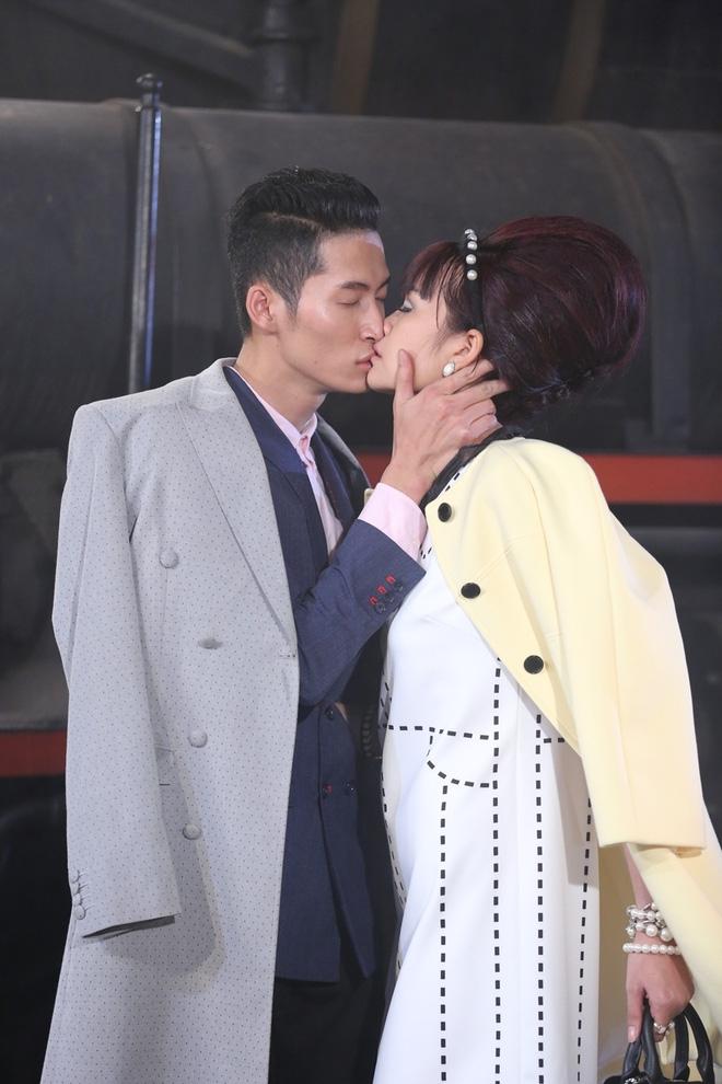 Kết hợp cùng Minh Tùng trong thử thách ở tập 3, Ngọc Châu cùng dần gây chú ý hơn nhưng vẫn là một trong những gương mặt nhạt nhòa.