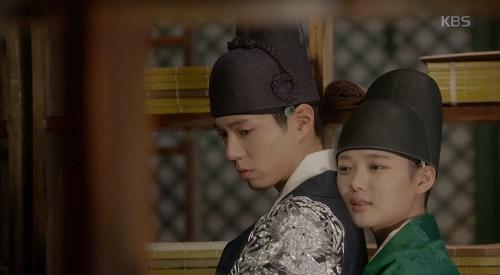 Mây họa ánh trăng tập 13: Kim Yoo Jung trao người yêu nụ hôn từ biệt