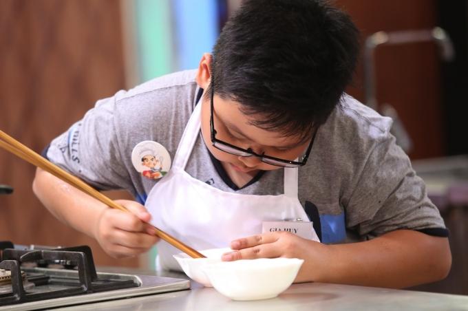 Gia Huy Bắt đầu vào bếp từ năm 6 tuổi.