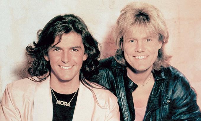 xuất hiện ngập tràn trên các đài phát thanh công cộng và hai chàng ca sĩ này trở thành những nghệ sĩ giàu nhất nước Đức.