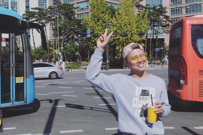 """Kết hợp trong chuyến đi lần này, ekip """"Khánh Khánh Show"""" còn được Đài KBS tại Seoul mời sang quay hình và thu âm phỏng vấn."""