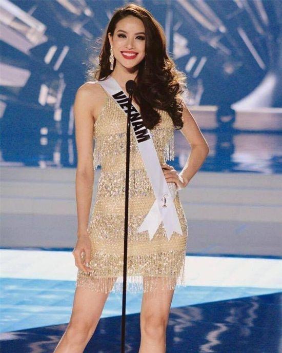 Thiết kế này được cho là khá giống với bộ trang phục Hoa hậu Phạm Hương từng mặctại Miss Universe 2015.