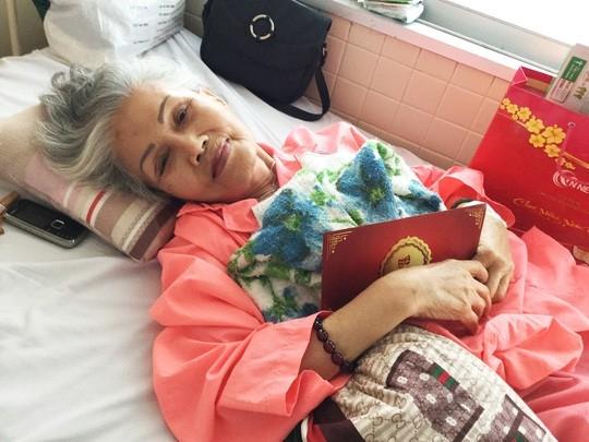 Sầu nữ Út Bạch Lan trên giường bệnh. Ảnh: Thanh Hiệp.