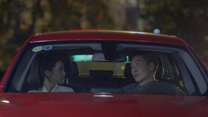 Lần ra Hà Nội cùng nhau này, hai người có nhiều dịp hơn để hiểu nhau.