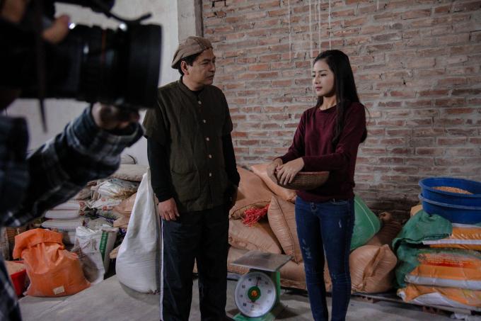 Bích Ngọc năm nay mình 19 tuổi, hiện đang là sinh viên trường Đại học Ngoại thương Hà Nội. Cô nàng này sinh ngày 8/10/1997 đến từ Hải Dương.