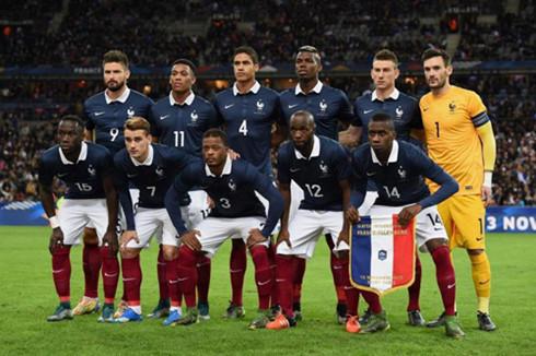 """Đội tuyển bóng đá Pháp với tên gọi quen thuộc """"Những chú gà trống Gô – loa""""."""