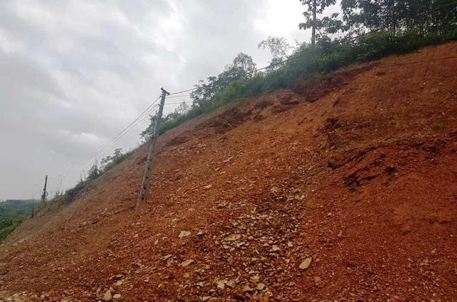 Một điểm sạt lở núi tại huyện niềm núi Con Cuông.