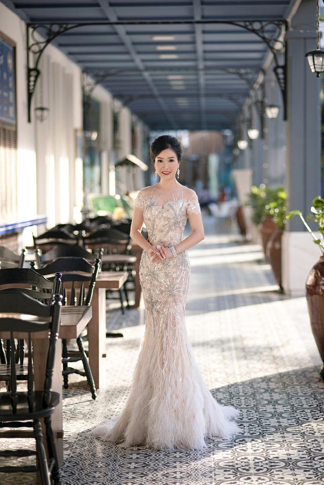 Dù đã đăng quang Hoa hậu cách đây 30 năm nhưng Hoa hậu Bùi Bích Phương vẫn kiên trì tập luyện để duy trì vóc dáng thời con gái.