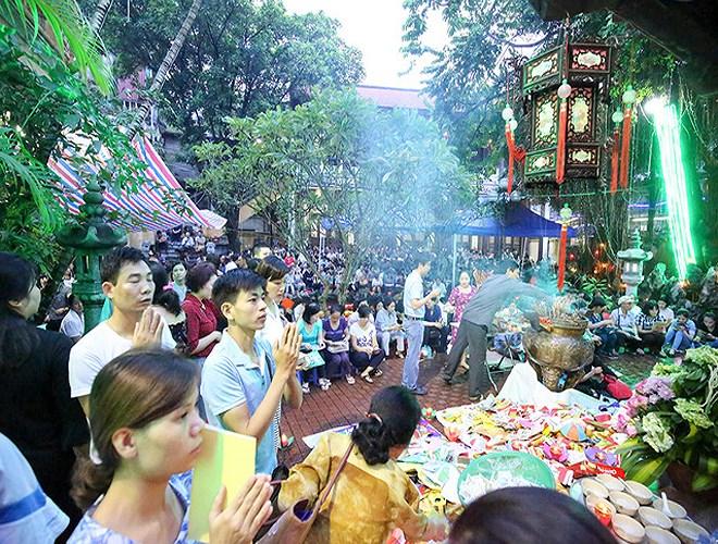 Những năm trở lại đây, chùa Phúc Khánh được rất nhiều người dân lựa là nơi lễ Phật, cầu an. Nhiều bạn trẻ cũng tìm đến đây để cầu tình duyên.