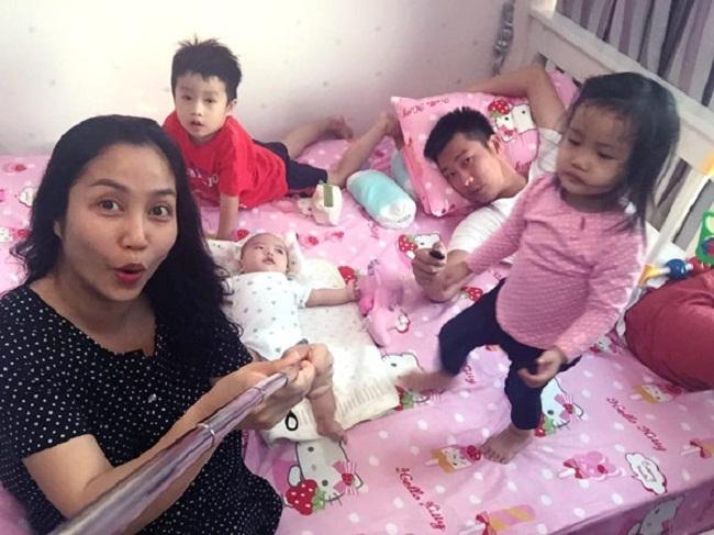 Gia đình nhỏ của MC Ốc Thanh Vân.