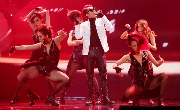 Trực tiếp Liveshow 3 The Remix: Team Hoàng Thùy Linh chiến thắng giành 50 triệu