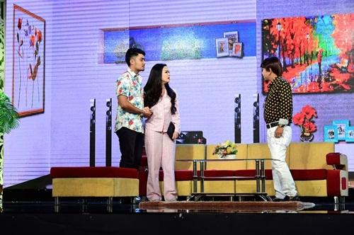 """Nhật Kim Anh bắt tay Lê Khánh, Minh Nhí """"đá xoáy"""" showbiz Việt"""