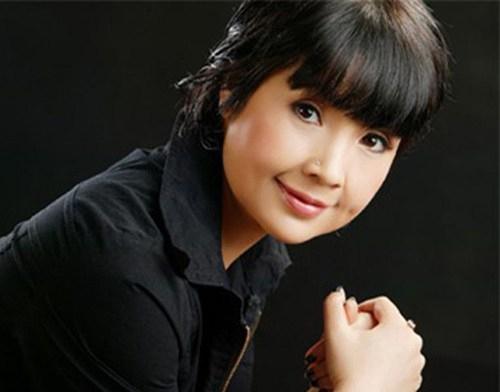 Được biết, đi Trường Sa làao ước ra biển trước khi bố mất của nghệ sĩ Lan Hương bởi bố cô cũng là Hải quân.