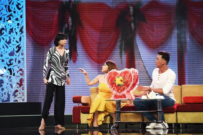 Làng hài mở hội: Hát cải lương, đội Ngũ Sắc vẫn khiến Trần Thành, Việt Hương cười ngất