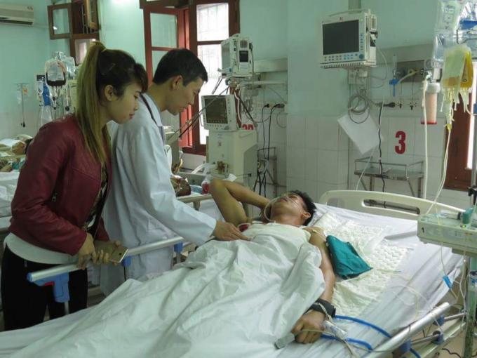 Bệnh nhân Nguyễn Văn Minh được các bác sĩ mổ cấp cứu thành công. (Ảnh: bạn đọc).