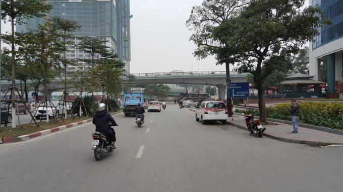 Phố Đào Tấn cũng không còn cảnh kẹt xe hoặc phải nhích từng cm như trước đây.