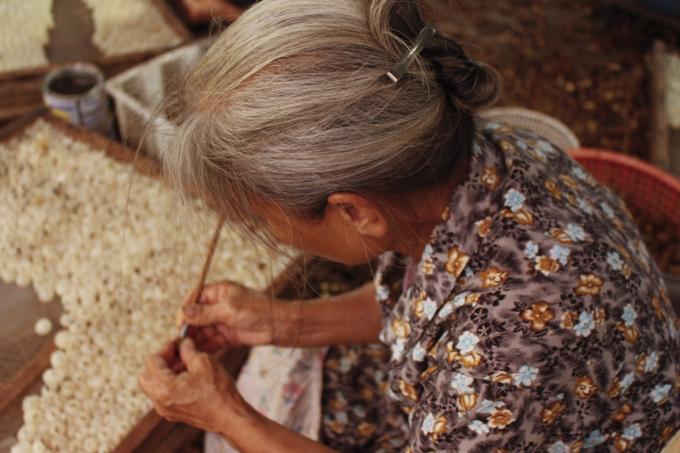 Xoáy long nhãn là nghề thủ công truyền thống có từ lâu đời ở Hưng Yên.