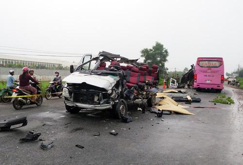 Hiện trường vụ tai nạn thảm khốc khiến 6 người tử vong.