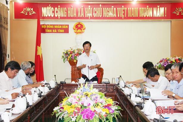 Trưởng Ban KT- NS tỉnh Trần Viết Hậu điều hành cuộc họp. Ảnh: Báo Hà Tĩnh
