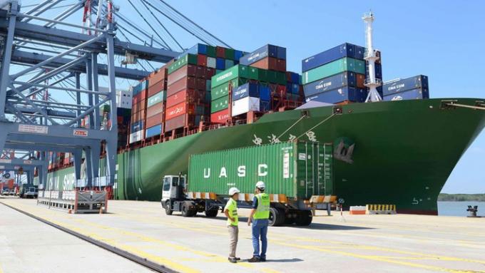Tổng cục Hải quan ghi nhận tổng trị giá xuất nhập khẩu hàng hóa của Việt Nam từ đầu năm đến ngày 13/06/2018 cán mốc 200 tỷ USD. Ảnh: Internet