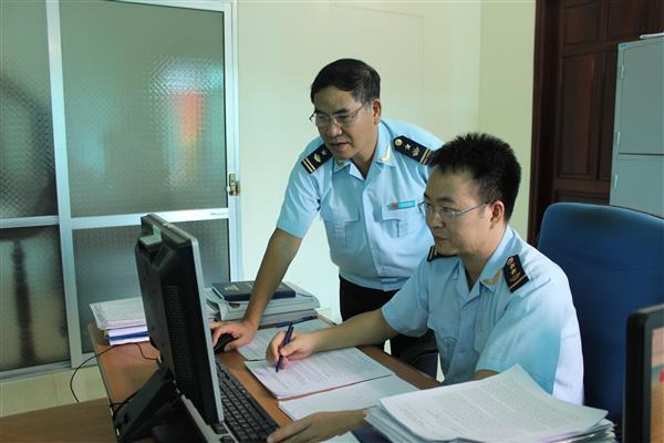 CBCC Chi cục Hải quan Thái Nguyên, Cục Hải quan Bắc Ninh trao đổi nghiệp vụ. Ảnh: T.Trang.