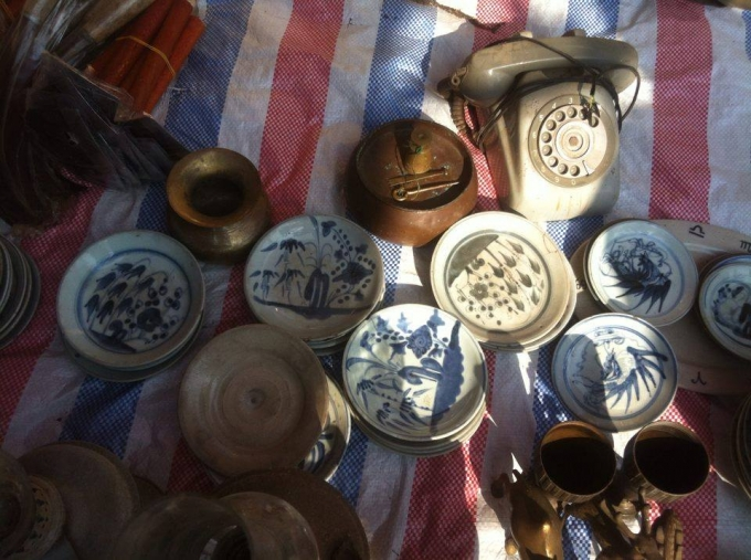 Những bát đĩa cổ có từ thời Lý, Trần.