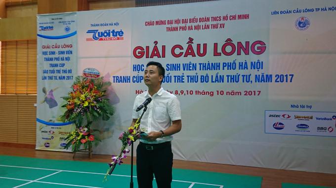 Ông Nguyễn Đức Tiến - Phó bí thư Thành đoàn Hà Nội phát biểu tại Lễ khai mạc.