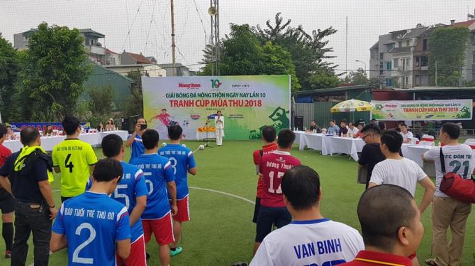 Lễ Khai mạc diễn ra tại sân bóng Bắc Việt, Hà Đông, Hà Nội.