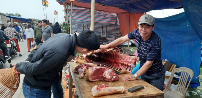 Bò Viềng - một trong những đặc sản nơi đây và không thể thiếu trong mỗi phiên chợ