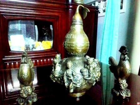 Một số loại bình giống bình hồ lô giả cổ như anh Viện mua (ảnh Nguyễn Phước)