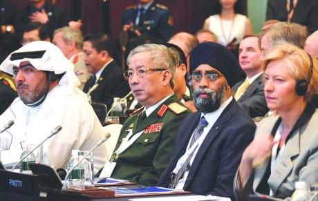 Thứ trưởng Bộ Quốc phòng, Thượng tướng Nguyễn Chí Vịnh tham dự phiên toàn thể tại Đối thoại Shangri-La