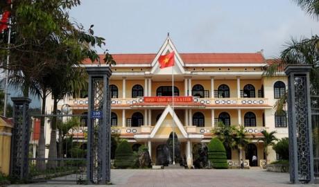 HĐND - UBND huyện A Lưới (Ảnh: Quang Thành)