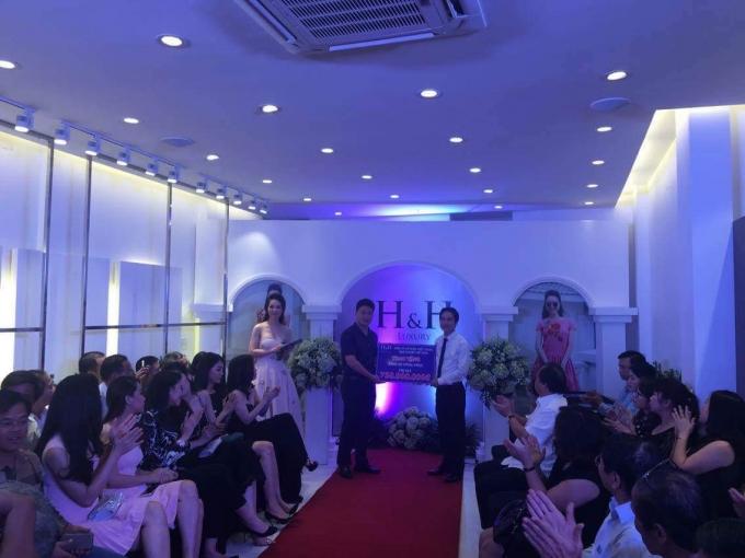 Hình ảnh của công ty thời trangH&H Luxury.
