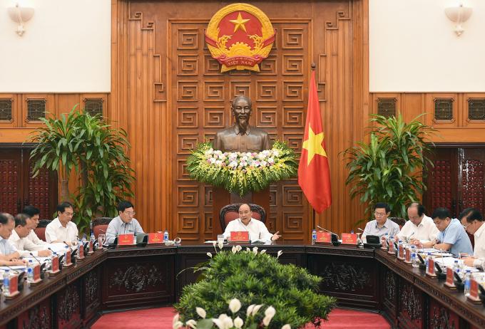 Thủ tướng Nguyễn Xuân Phúc phát biểu kết luận cuộc họp.