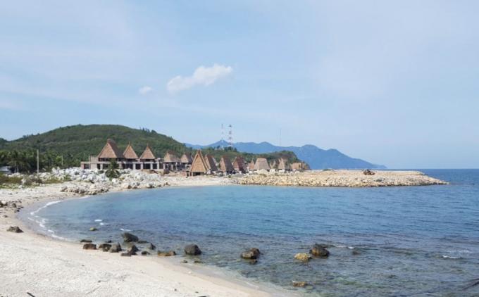 Một mặt bằng mới lấn biển đã hình thành tại dự án Khu nghỉ dưỡng Champarama Resort & Spa.