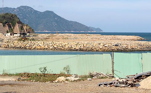 Dự án lấp hơn 17.000 m2 vịnh Nha Trang bị tỉnh Khánh Hòa xử phạt 105 triệu đồng. Ảnh:An Phước.