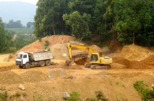 Ngân Sơn là một trong những huyện có nhiều nguồn tài nguyên khoáng sản của tỉnh Bắc Kạn nhưng hiện thu ngânsách cũng chỉ đạt 66% chỉ tiêu. Ảnh minh họa: Văn Tý/TTXVN