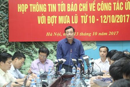 Ông Trần Quang Hoài- Tổng cục trưởng Tổng cục Phòng, chống thiên tai (Bộ NNPTNT)chủ trì cuộc họpthông tin về việc phòng chống lũ. Ảnh Đình Thắng