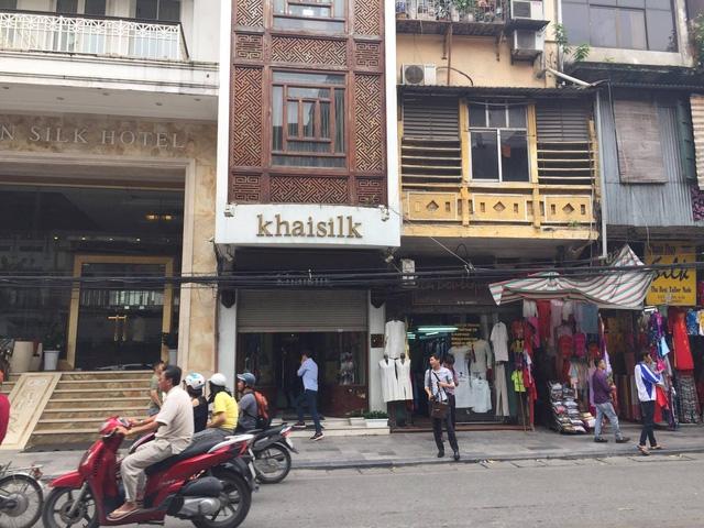 Cửa hàng Khaisilk tại 113 Hàng Gai bị đóng cửa sau sự cố