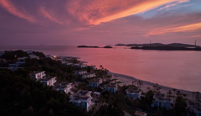 Khu nghỉ dưỡng Premier Village Phu Quoc Resort sẽ chính thức khai trương tháng 4-2018, do Tập đoàn AccorHotels quản lý, vận hành